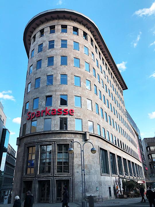 Sparkasse Hauptstelle Dr.-Ruer-Platz